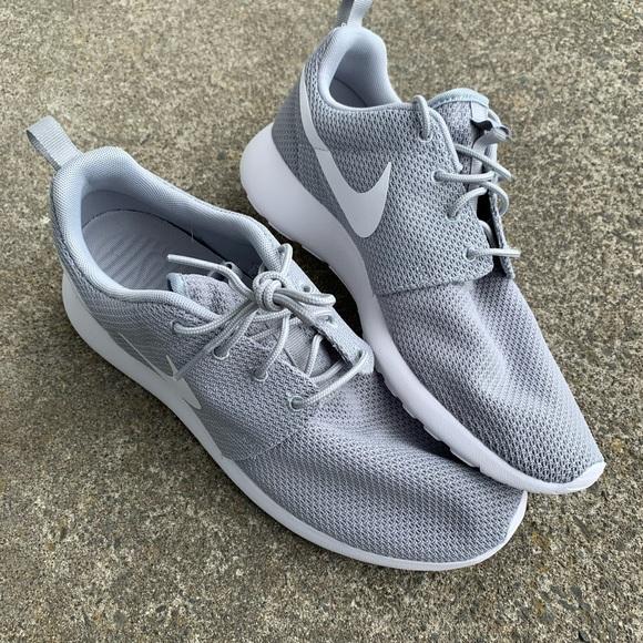 Nike Shoes   Roshe Size 9   Poshmark